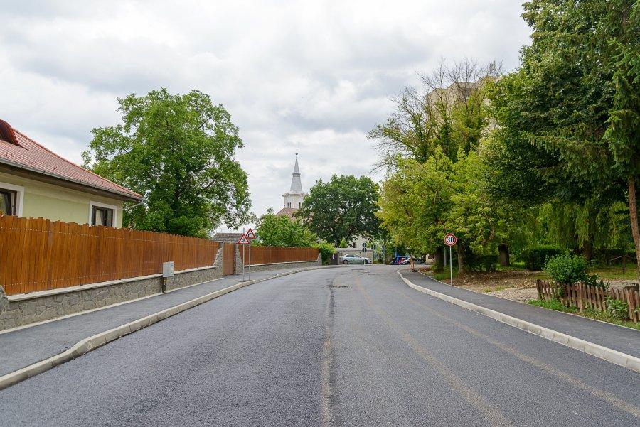 Lucrări de reabilitare a drumurilor sunt în desfășurare în mai multe zone din Sfântu Gheorghe