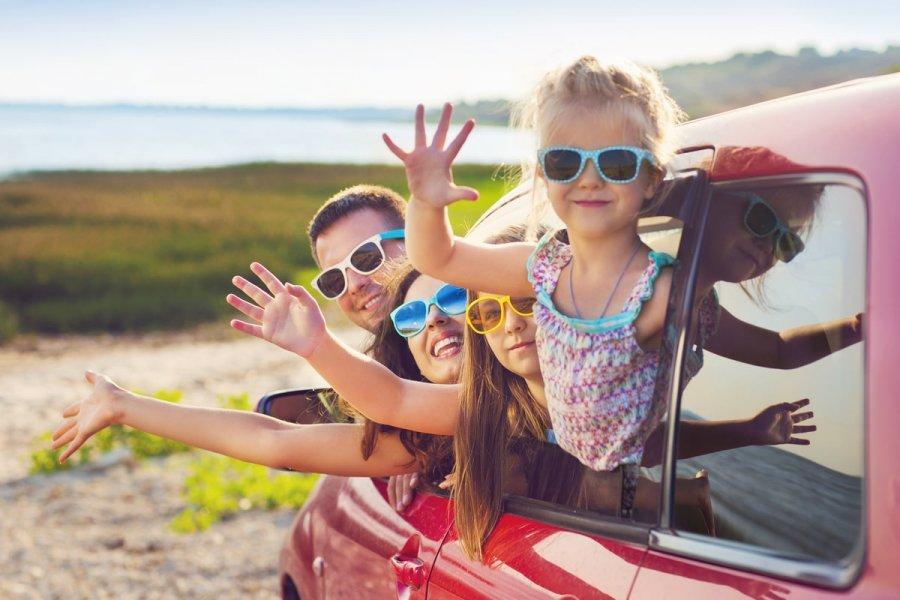 Top 5 motive pentru care să alegi concediul cu mașina vara aceasta