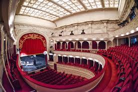 Orban: Deschiderea teatrelor, cinematografelor, restaurantelor - în funcţie de un prag al răspândirii a virusului la nivel judeţean