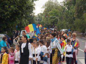 Proiectul BURSELE ROMÂNI PENTRU ROMÂNI, la drum, în zi de mare sărbătoare!