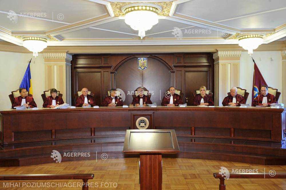 CCR: Legea prin care evazioniştii scapă de închisoare - constituţională (surse)