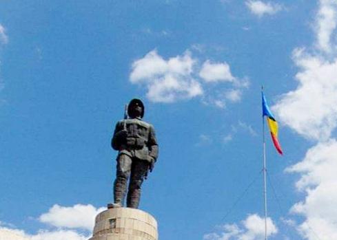 """""""Ziua independenței de stat a României"""" și """" Ziua victoriei împotriva fascismului"""" sărbătorite astăzi, la Sfântu Gheorghe"""