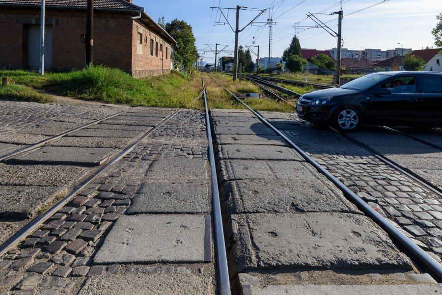 Trecerea la nivel cu calea ferată din Sfântu Gheorghe va fi închisă între 24 mai și 26 iunie pentru lucrări de reabilitare