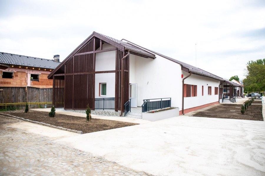 3 case familiale, construite cu sprijinul Fundaţiei SERA pentru copiii de la Centrul de plasament Olteni, finalizate