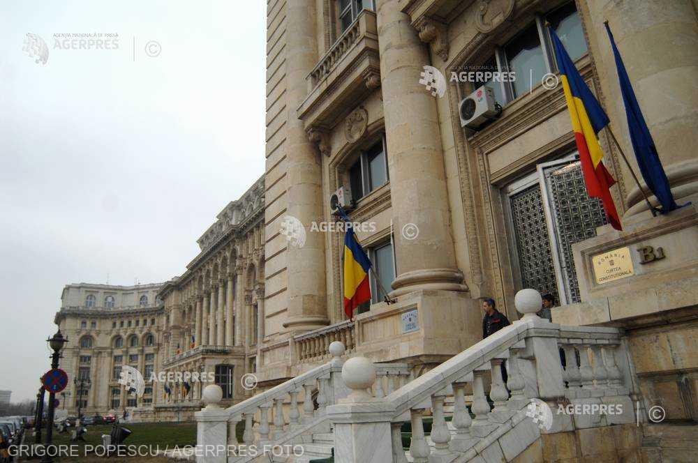 CCR a înregistrat sesizarea Executivului pe conflictul dintre Guvern şi Parlament pe tema moţiunii de cenzură (surse)