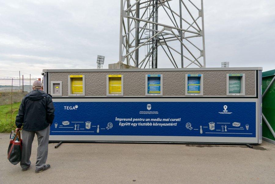Ecoinsulă inteligentă de colectare a deșeurilor, instalată la Sfântu Gheorghe