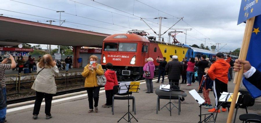 """REPORTAJ: """"Connecting Europe Express"""", trenul-simbol a trecut în acest weekend și prin România"""