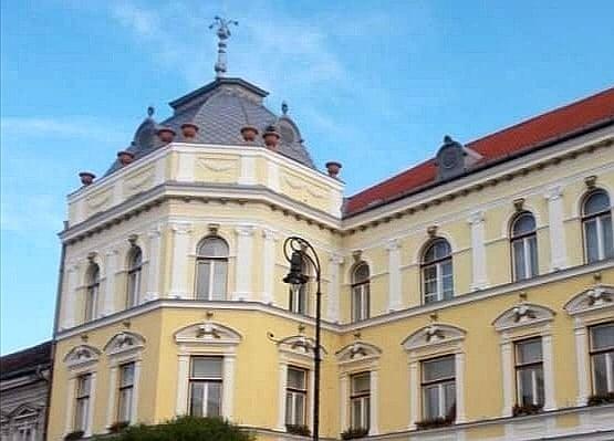 La sărbătoarea Zilei eliberării oraşului Sfântu Gheorghe, Tricolorul românesc nu a fost arborat pe turla Primăriei
