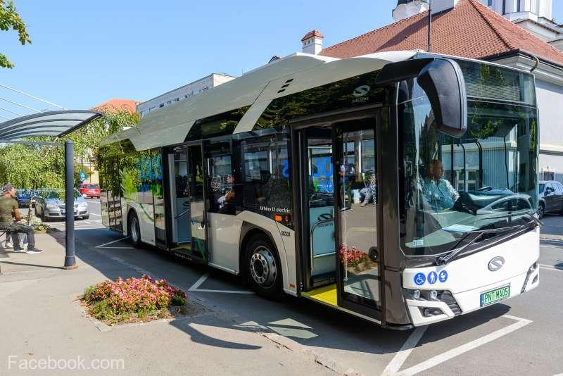 Primăria Sfântu Gheorghe va achiziţiona 12 autobuze electrice; cetăţenii pot călători cu un autobuz aflat în testare