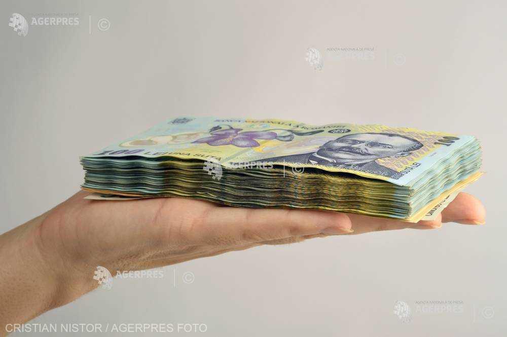 Un angajat din trei are un salariu minim mai mic decât cel stabilit pentru 2022 (ministru)
