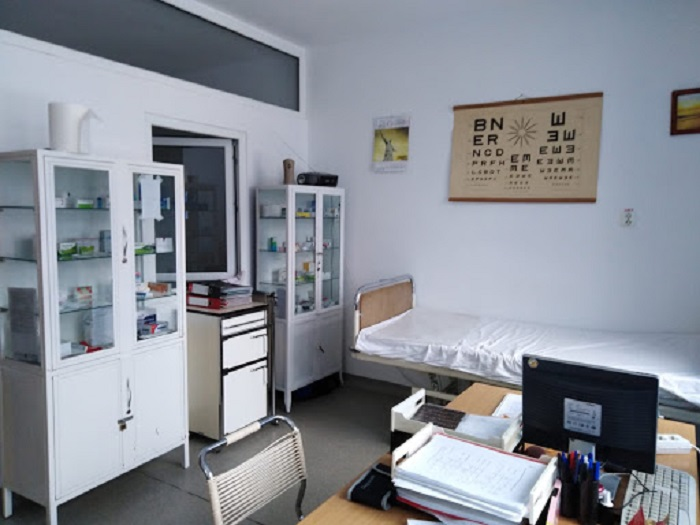 Cabinete medicale şcolare doar în mediul urban, iar jumătate nu au medici