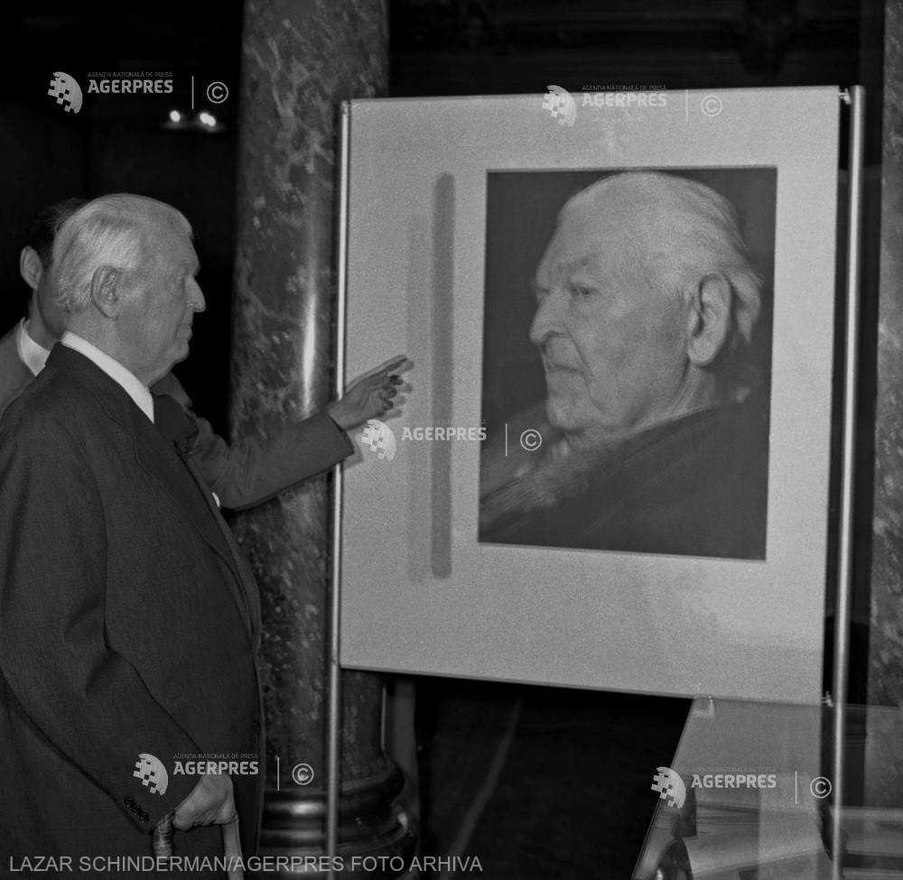 DOCUMENTAR: 60 de ani de la moartea scriitorului Mihail Sadoveanu (19 octombrie)